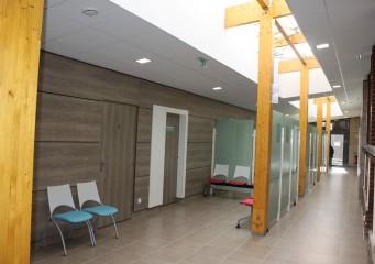 12 couloir salles dattente medecins formatweb 341x240 - Orbec